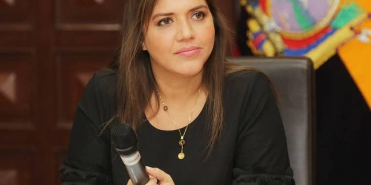 alejandra vicuña- republica del banano.jpg