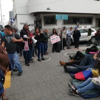 Ciudadanos inician huelga indefinida a favor de Jorge Glas
