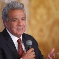 En medio de crisis, retrocesos y corrupción Moreno invita a ser felices!