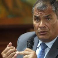 Fiscalía, desesperados, piden espiar las comunicaciones del Expresidente Correa