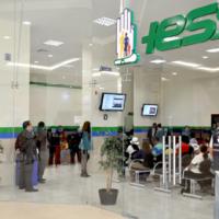 7 años y 4 meses de cárcel para exfuncionario del IESS por cobrar a cambio de puestos de trabajo