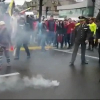 Denuncian agresión policial contra manifestantes afines a la Revolución Ciudadana