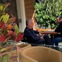 Villavicencio difunde fotos de reunión clandestina entre el Gobierno y Balda