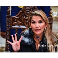"""LOS AGRESIVOS TUITS CONTRA """"INDÍGENAS"""" QUE BORRÓ JEANINE ÁÑEZ"""