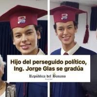 Hijo del Ex Vicepresidente, perseguido por el Gobierno de Moreno, se gradúa