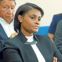 Fiscalía renuncia a más de 90 testigos. Defensa señala que es una «verguenza total»