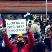UNES convoca a una gran movilización para exigir al CNE la inscripción de su binomio