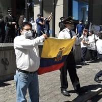 Con plantón en Quito, extrabajadores de TAME exigen cumplimiento de sus derechos laborales