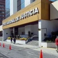 Ministra María Romo y Comandante Patricio Carrillo deberán comparecer por supuesta persecución a Ola Bini