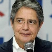 Según Guillermo Lasso, «una chica tiene que arreglarse bonito, para conseguir novio»; el candidato pidió perdón