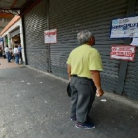 Intervienen en La Bahía y clausuran más de 100 locales transformados en bodegas